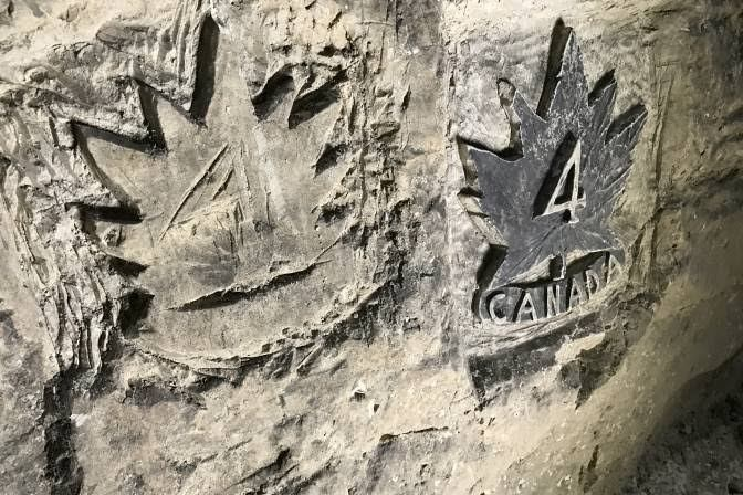"Photo of Maison Blanche, el refugio que cientos de canadienses ""grafitearon"" durante la Gran Guerra"